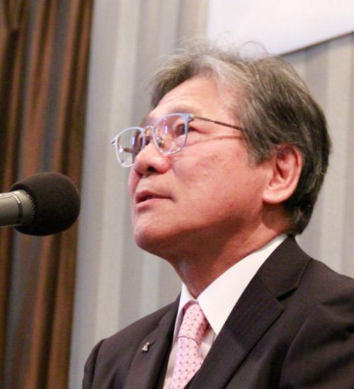 90周年を迎えて挨拶をする川口社長